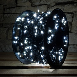 Catena luminosa decoLED- 100 m, LED 600 diodi luce bianca fredda, cavo nero